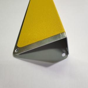 Собственное производство противоскользящих профилей из алюминия