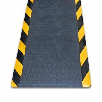 Противоусталостный мат, линейное рифление, цвет черный с двумя желто-черными краями